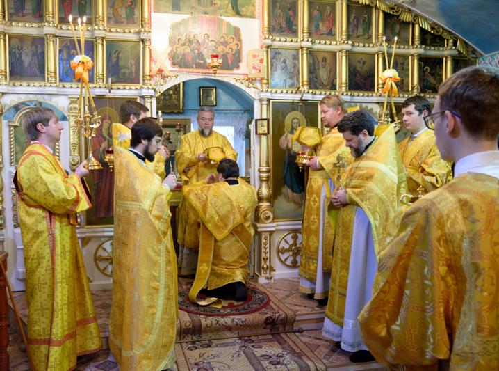 Архиерейское богослужение в Свято-Никольском храме архиерейского подворья г. Клинцы